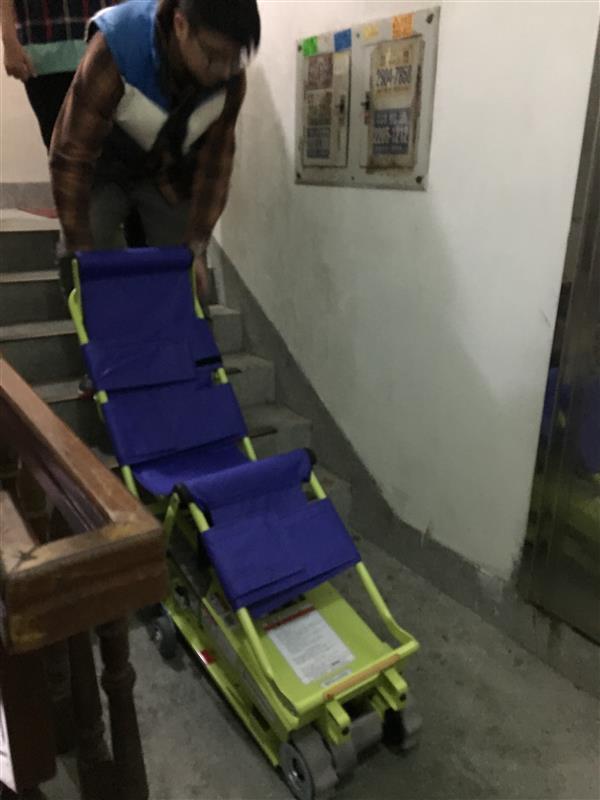 到宅爬梯機試用-3.JPG