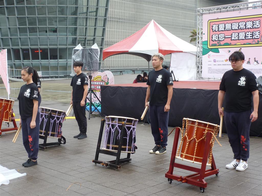 表演團體-1.JPG